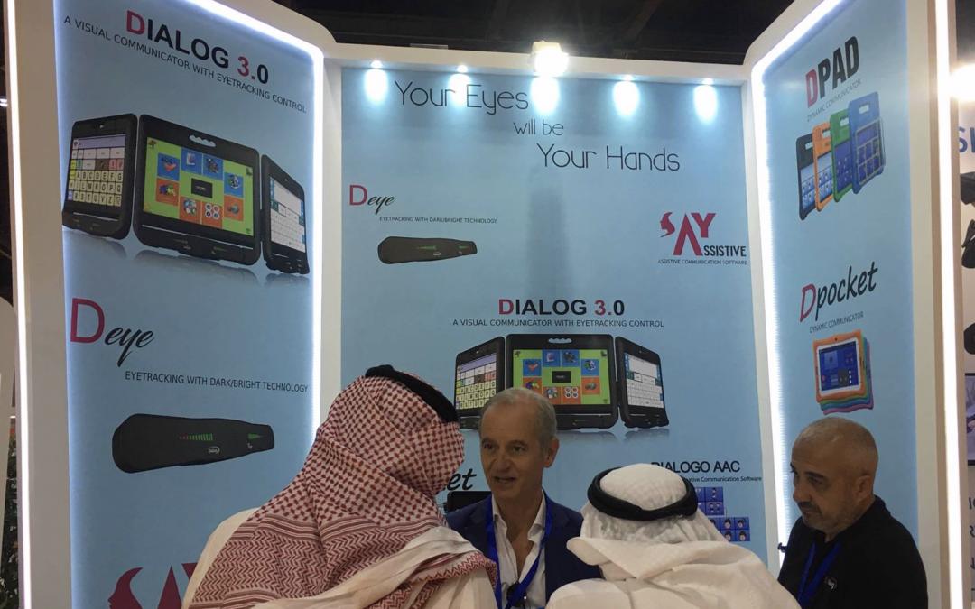 Dialog Ausili ad AccessAbilities Dubai con le soluzioni per l'AAC